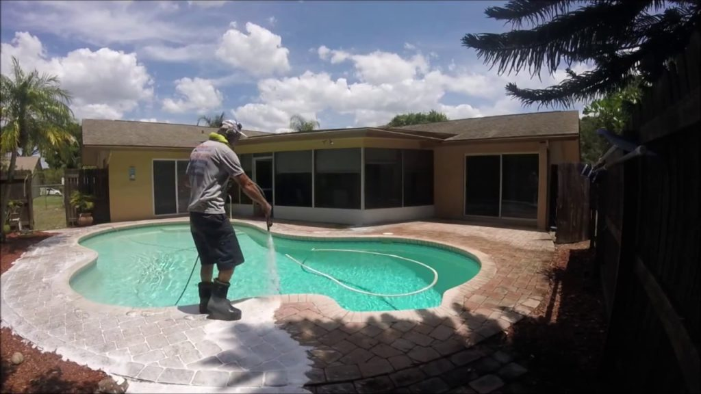 pool-deck-cleaning-naples